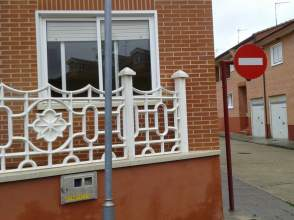 Casa pareada en venta en calle de Zapatilla, nº 15