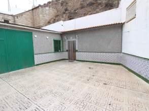 Casa en venta en calle Almendros, nº 50