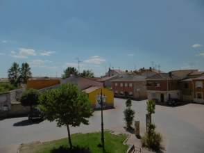 Casa pareada en venta en calle El