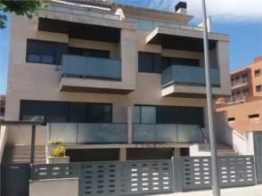 Casa adosada en venta en calle Lluis Companys, nº 59