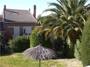 Casa adosada en venta en calle Sierra de Albarracin
