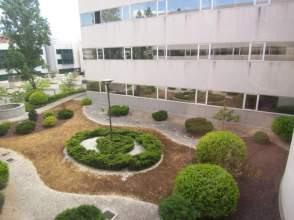Locales y oficinas de alquiler en tres cantos madrid for Oficina kutxabank tres cantos