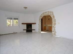 Casa en venta en calle La Umbria