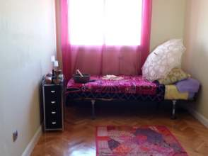 Habitación en alquiler en calle Moscu, nº 16