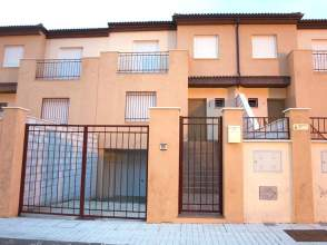 Casa adosada en venta en calle Alheli, nº 91