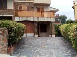 Casa adosada en alquiler en calle Ramon y Cajal