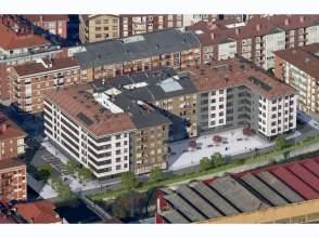 Piso en venta en Avenida de Zumalacárregui,  54, Llodio - Laudio por 171.000 €