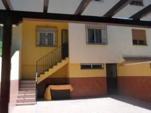 Casa adosada en alquiler en Ambroz
