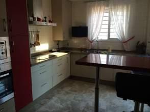 Casa pareada en alquiler en Hospital Nisa