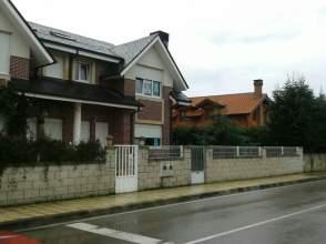 Chalet pareado en venta en Avenida Hinojedo