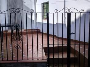 Casa adosada en venta en calle Obispo Pavón, nº 3