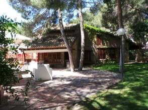 Casa unifamiliar en alquiler en Urb. Santa Bárbara