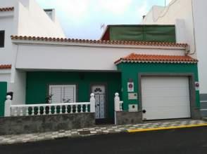 Casa pareada en venta en calle Obispo Verdugo