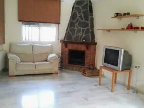 Casa adosada en alquiler en Las Gabias