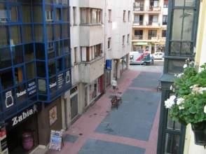 Piso en venta en calle Reina María Cristina