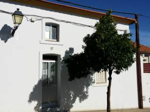 Casa adosada en venta en calle Jesús Chaparro, nº 17