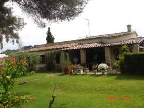 Casa rústica en alquiler en Avenida Baix Llobregat, nº 25