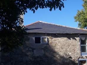 Casa rústica en venta en calle Castro O, nº 34, O Castro (Pobra de Trives, A) (A Pobra de Trives) por 21.000 €