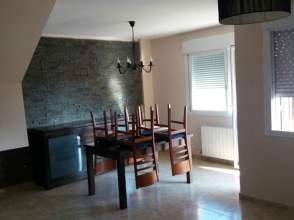 Casa adosada en alquiler en calle Mas D´En Garrot , nº 21