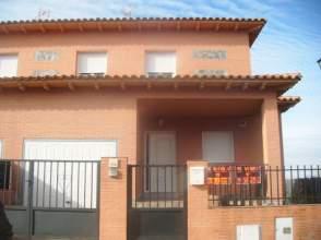 Chalet pareado en alquiler en calle Navacerrada, nº 24