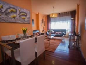 Piso en venta en calle Pardiñeiros, nº 2, O Milladoiro (Ames) por 115.000 €
