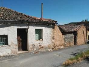 Casa rústica en venta en calle Umbria Media, nº 3