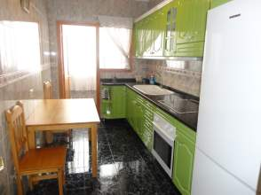 Piso en alquiler en calle Párroco Manuel de La Coba, nº 3