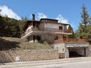 Casa rústica en venta en Avenida Port del Comte, nº 33