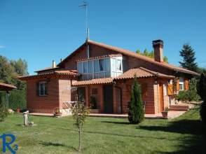 Casa en venta en calle Santa Eugenia, Palazuelo de Boñar (Vegaquemada) por 191.000 €