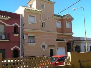 Casa adosada en venta en calle Gabriel Miro,  55, La Línea de La Concepción por 68.300 €