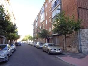Piso en calle Esteban Jordan