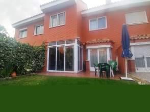 Casa pareada en calle Las Alberjas