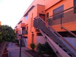 Casa pareada en calle El Cerezo, nº 1