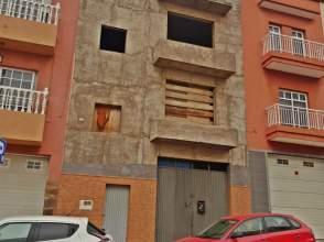 Casa pareada en calle El Monzon, nº 90