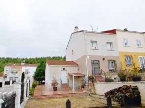 Casa adosada en calle los Linares
