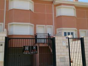 Casa pareada en Avenida Madrid Valencia