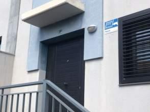 Casa pareada en calle Agarfa, nº 31