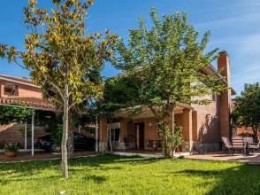 Casa en Torres de La Alameda