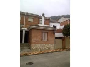 Casa adosada en calle Santiago Apóstol, nº 13