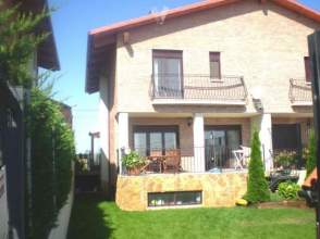 Casa pareada en Pareado A 20 Km2 de Logroño Jardin 90M2 Impecable