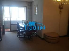 Pisos con 3 o m s habitaciones en txurdinaga distrito for Pisos en otxarkoaga