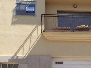Casa adosada en calle Vuit, nº 5