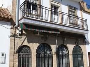 Casa adosada en calle de Carmona, nº 22
