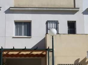 Casa adosada en Avenida Doctor Villa Diaz, nº 4