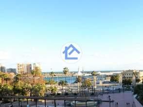 Piso en calle Plaza de La Marina