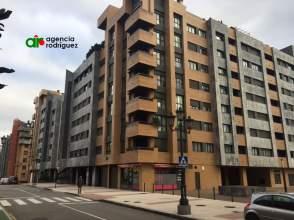 Piso en calle Carlos Asensio Bretones