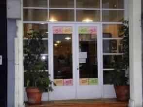Local comercial en calle Santiago, Tienda La Ideal ,