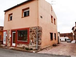 Local comercial en calle El Arroyo Esquina Travesía Arroyo -