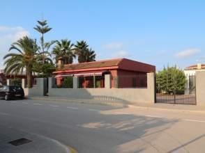Chalet en Los Alcázares