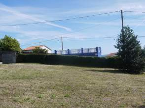 Terreno en Finca de 823M² en Montrove, Oleiros, Segregable en 2 Fincas